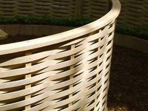 Curved fencing